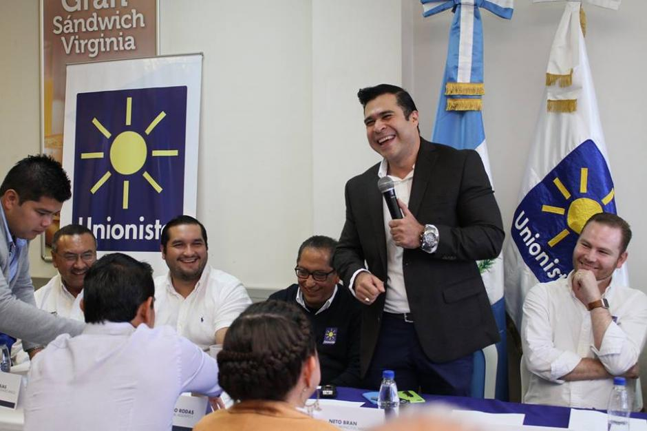 EL alcalde mixqueño dirigió unas palabras a los miembros del Partido Unionista. (Foto: Facebook/Partido Unionista)