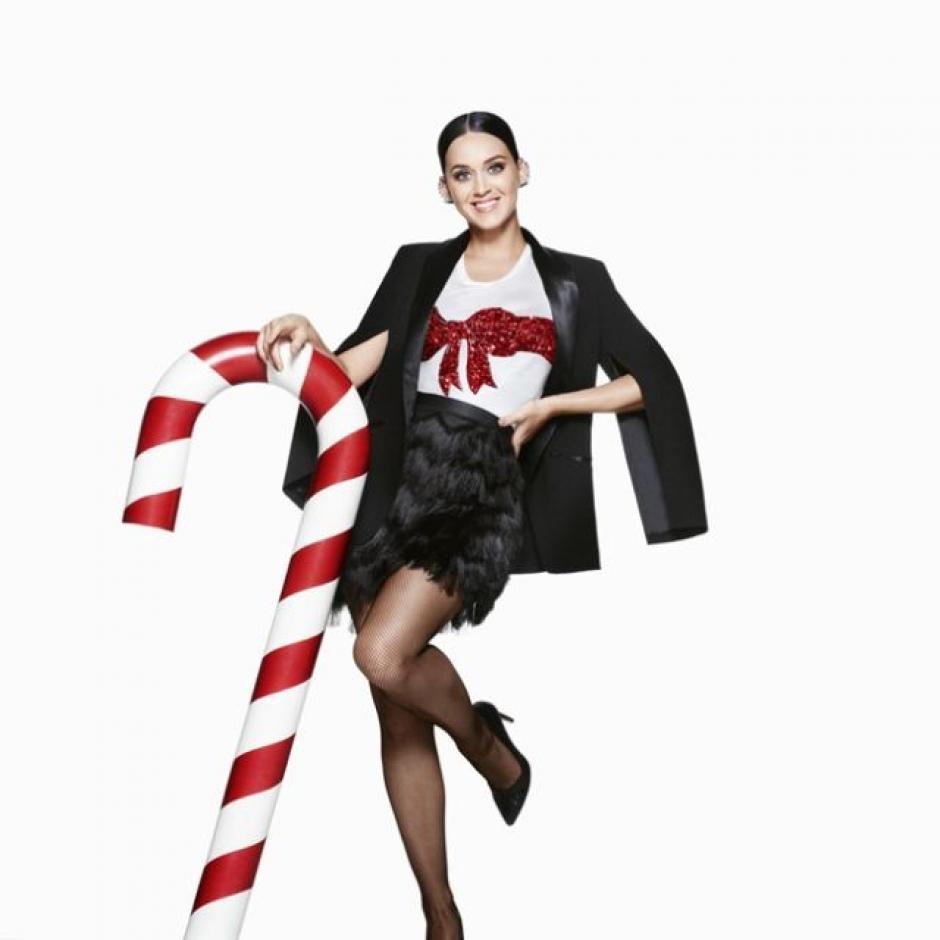 Katy Perry es la imagen para la campaña de navidad de la marca H&M. (Foto: H&M)