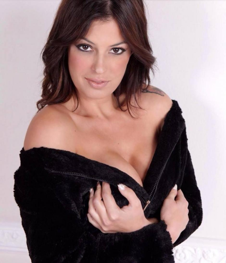 Sara Tommasi es una de las celebridades preferidas de la prensa italiana
