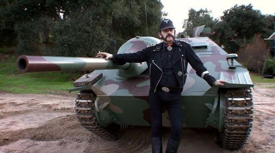 El artista coleccionaba tanques de la segunda guerra mundial.