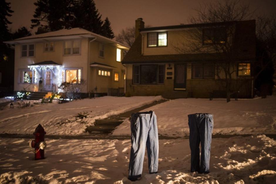 Congelar los pantalones surgió como una idea divertida y rápidamente se viralizó (foto: Startribune)