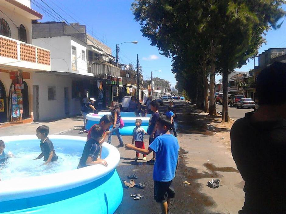 El próximo jueves, sábado y domingo también estarán instaladas las piscinas. (Foto: Facebook/Neto Bran)