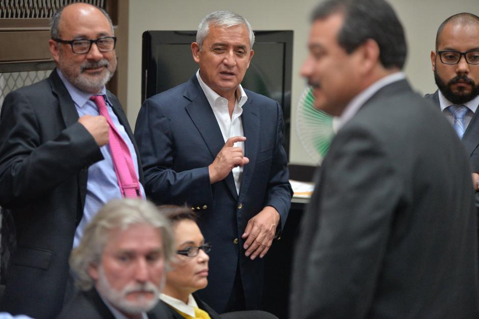 Moisés Galindo decidió renunciar a la defensa de Otto Pérez Molina con el argumento que el expresidente no le ha pagado sus honorarios. (Foto: Archivo/Soy502)