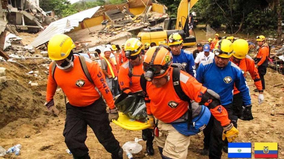 El equipo de rescate y búsqueda tiene la finalidad de dar servicios humanitarios. (EFE/OSCAR RIVERA)