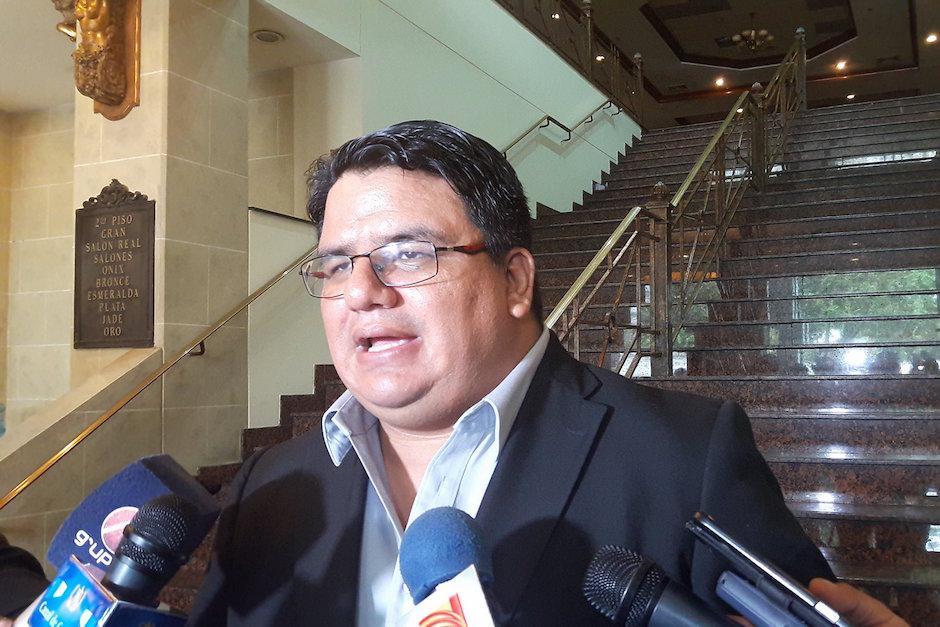Adrián Chávez, viceministro técnico del ministerio de Salud, dio las últimas estadísticas. (Foto: Javier Lainfiesta/Soy502)