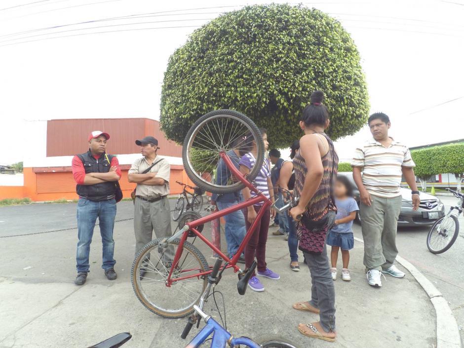 Las niñas no sufrieron graves heridas, pero por el momento no tienen como movilizarse para ir al mercado. (Foto: San Miguel Petapa.com)