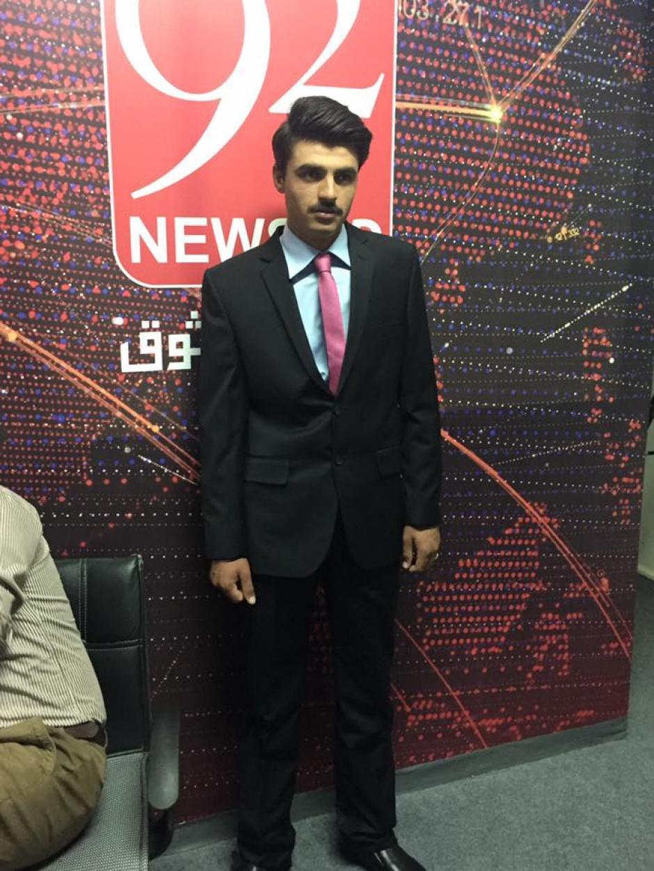 El joven es ahora el modelo de la marca de ropa fitpin.pk. (Foto: Facebook/fitpin.pk)