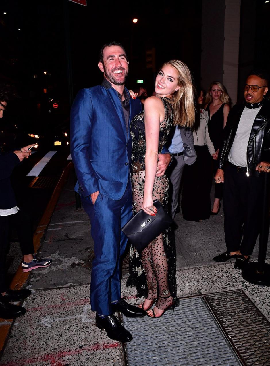 Upton y Verlander posaron para los paparazzi. (Foto: as.com)
