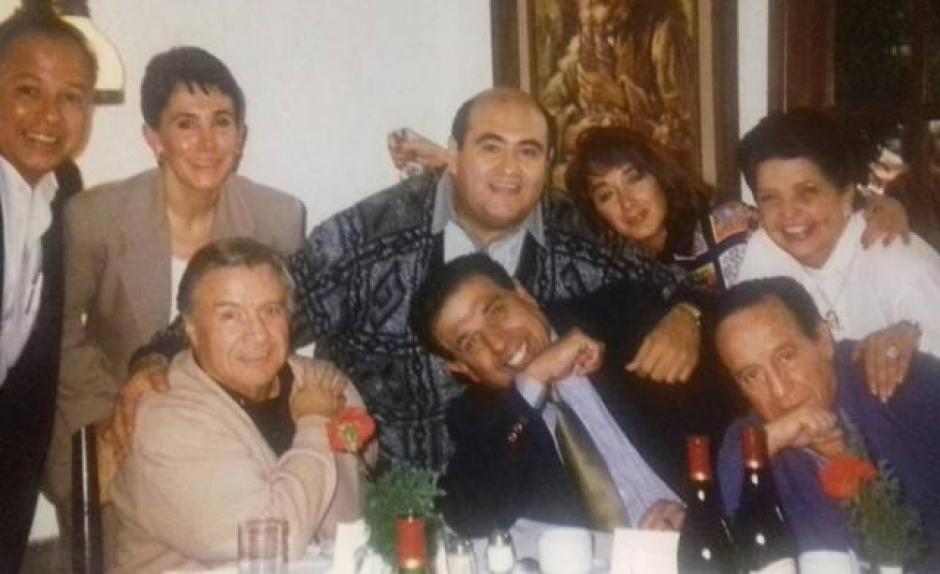 El elenco también se reunía en reuniones casuales para compartir fechas especiales. (Foto: La Chilindrina Oficial)