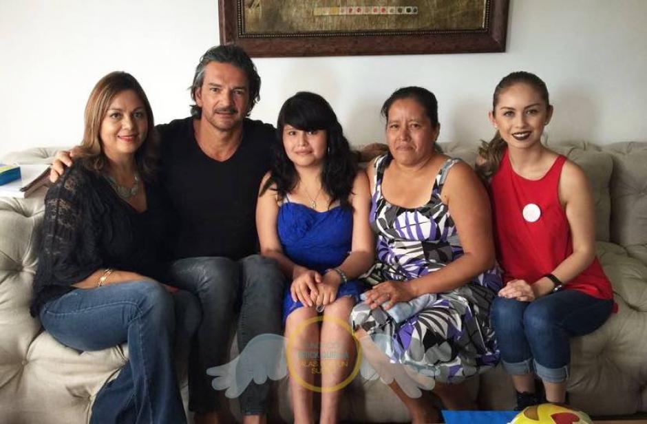 """Ileana conoció a Ricardo junto a su madre gracias a la la """"Fundación Erick Quiroa, Alas por un sueño"""". (Foto: Fundación Erick Quiroa, Alas por un sueño)"""