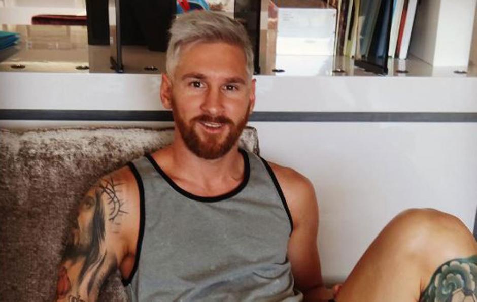 Antes de empezar la pretemporada, Messi adquirió uno de los looks más extravagantes que ha tenido desde que saltó a la fama con el FC Barcelona. (Foto: Instagram Antonella Roccuzzo)