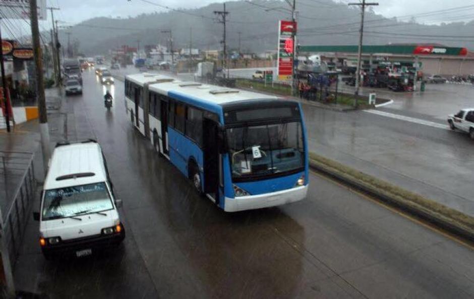 El alcalde de Mixco, Neto Bran, informó sobre la flotilla de buses. (Foto: Facebook/Neto Bran)