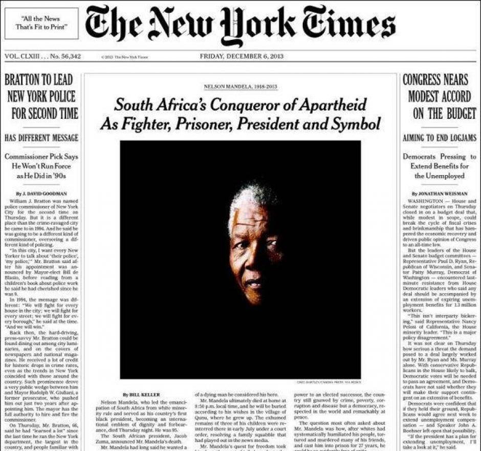 """La portada de este viernes 6 de diciembre para el New York Times. """"El conquistador del apartheid, como luchador, prisionero, presidente y símbolo""""."""