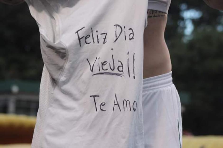 El gol fue con dedicatoria especial para su mamá, en Argentina el 16 de octubre es el día de las madres. (Foto: Facebook/ Comunicaciones)