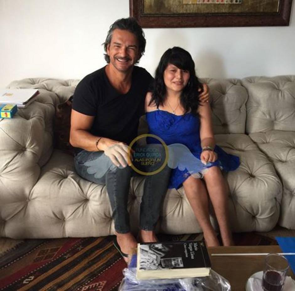 Ricardo Arjona cumple el sueño de Ileana de 17 años. (Foto: Fundación Erick Quiroa, Alas por un sueño)