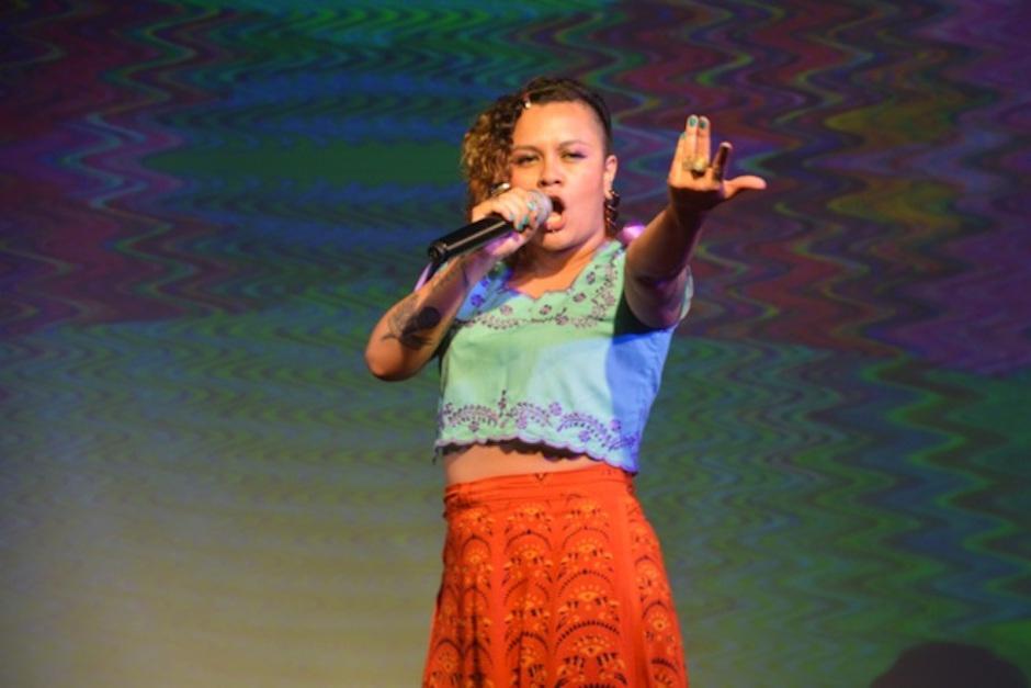 La rapera y poeta guatemalteca Rebeca Lane es un concierto. (Foto: El Mundo)