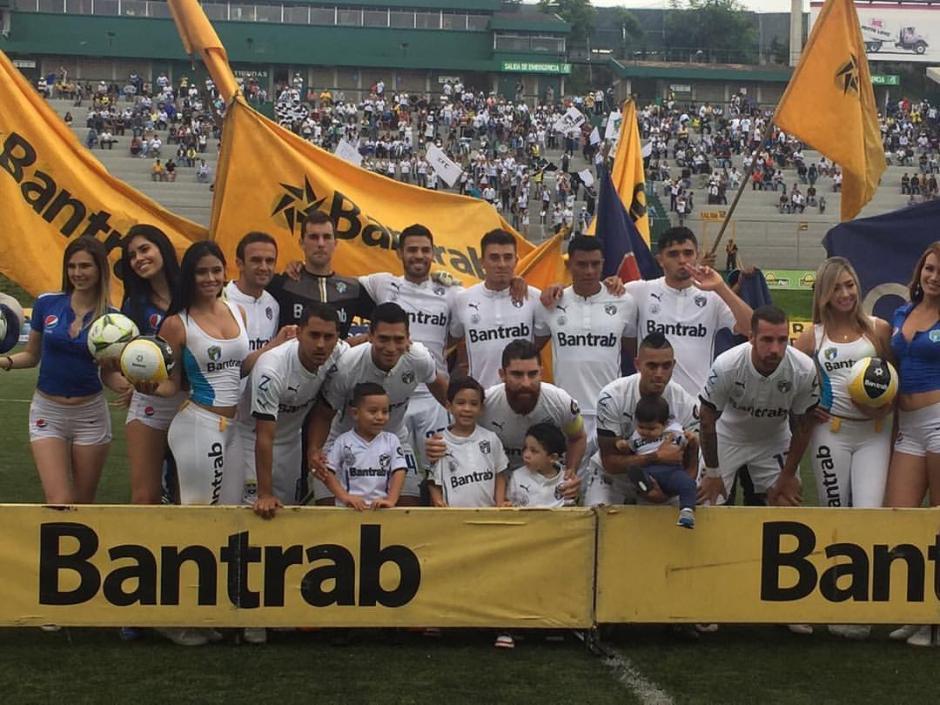 Con este equipo salió a la cancha Comunicaciones. (Foto: Facebook de Comunicaciones)