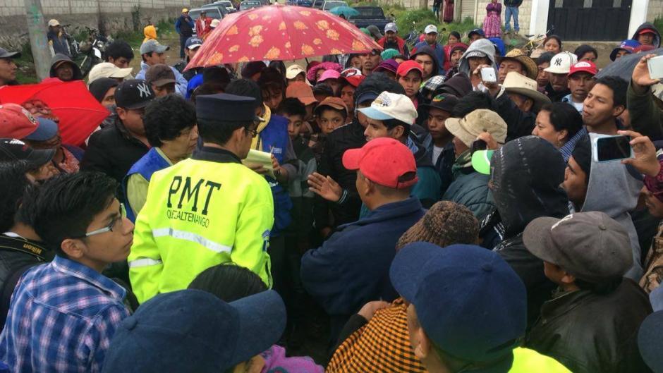 Se espera que en las próximas horas se inicie con la recolección de la basura en Quetzaltenango. (Foto: Stereo 100)