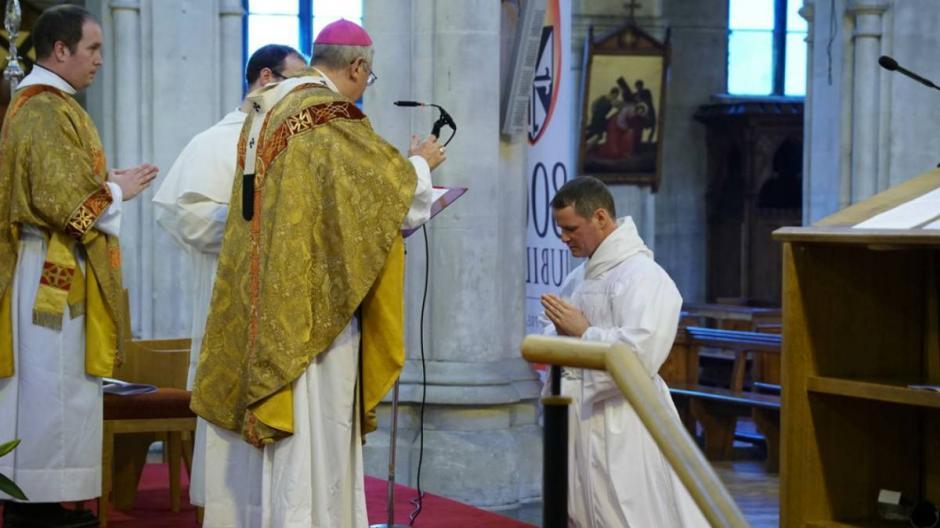 Philip Mulryne fue ordenado como diácono en Irlanda. (Foto: Mirrof Football)