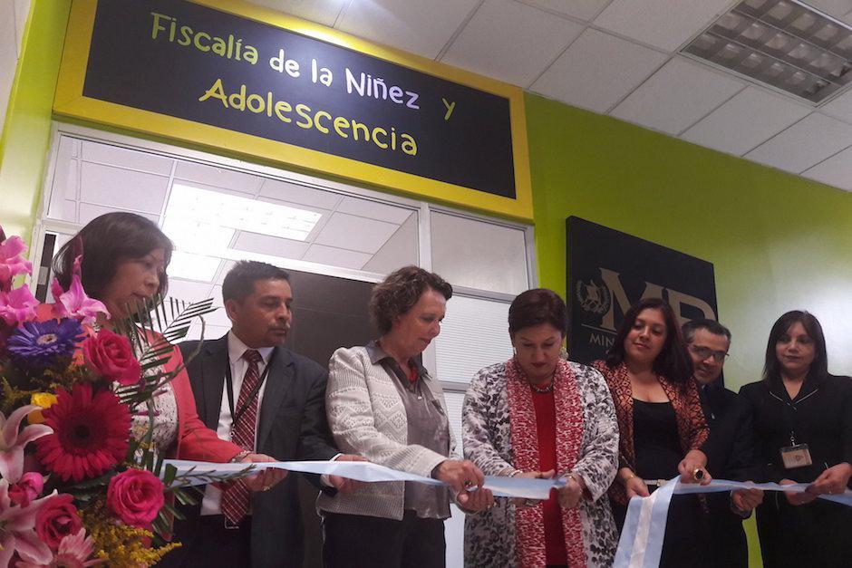 La Fiscalía de la niñez y adolescencia fue inaugurada por Thelma Aldana.  (Foto: Javier Lainfiesta/Soy502)