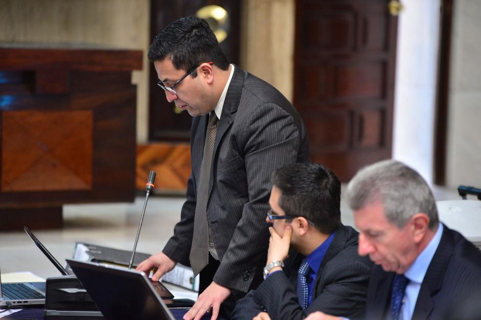 Julio Prado renunció al cargo como auxiliar fiscal I, estuvo a cargo del Caso La Línea y Cooptación del Estado. (Foto: Archivo/Soy502)