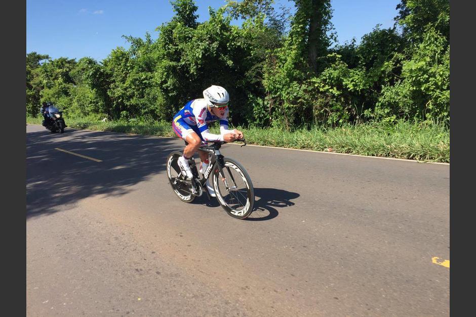 El quetzalteco Manuel Rodas conquistó la cuarta etapa y liderato general de la Vuelta. (Foto: Orlando Chile/Nuestro Diario)