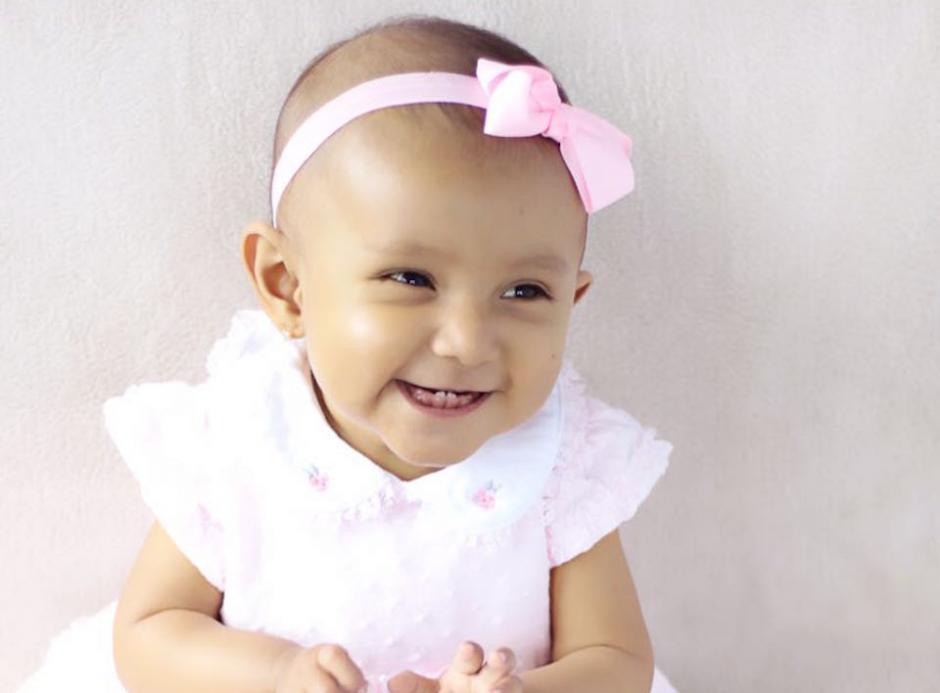 Camila Sosa tienen un año con dos meses y deben realizarle con urgencia un transplante de hígado. (Foto: cortesía Jessica Medina)