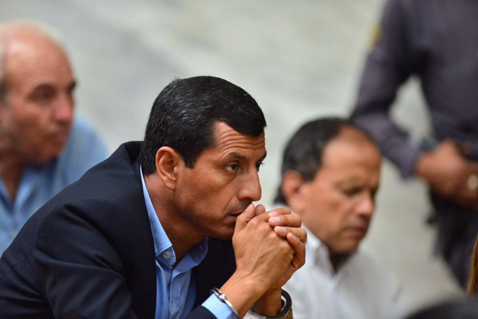 El exministro de Defensa Manuel López Ambrocio espera la continuación de la audiencia. (Foto: Jesús Alfonso/Soy502)
