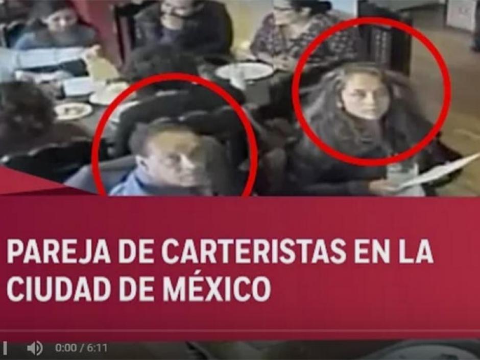 Los delincuentes notaron que eran filmados, pero no les importó y llevaron a cabo su fechoría. (Imagen: captura de YouTube)