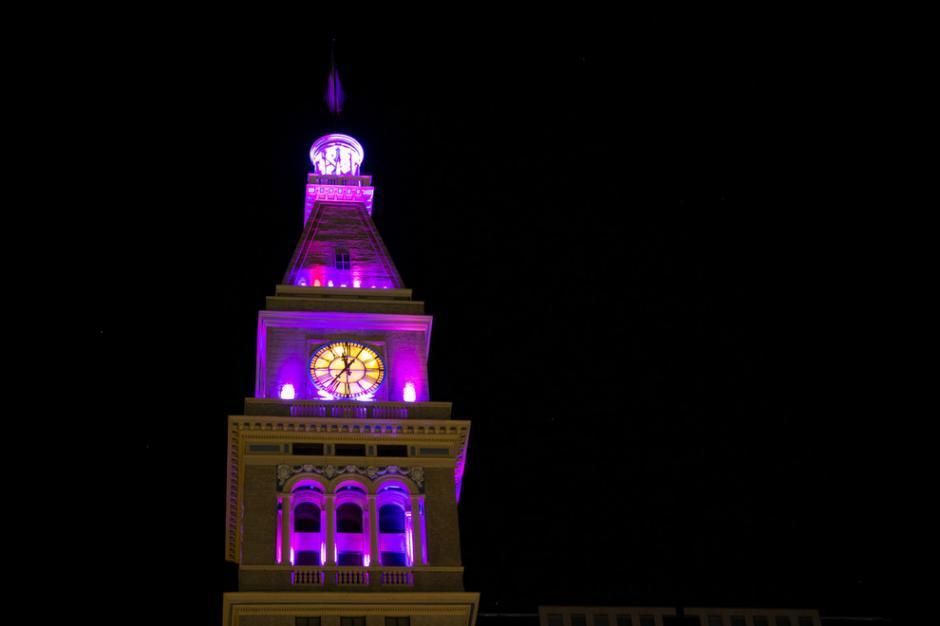 El sexto lugar de los destinos más románticos lo ocupa la torre del reloj en Denver, Estados Unidos. (Foto:cortesía del usuario de Flickr Nan Palmero )