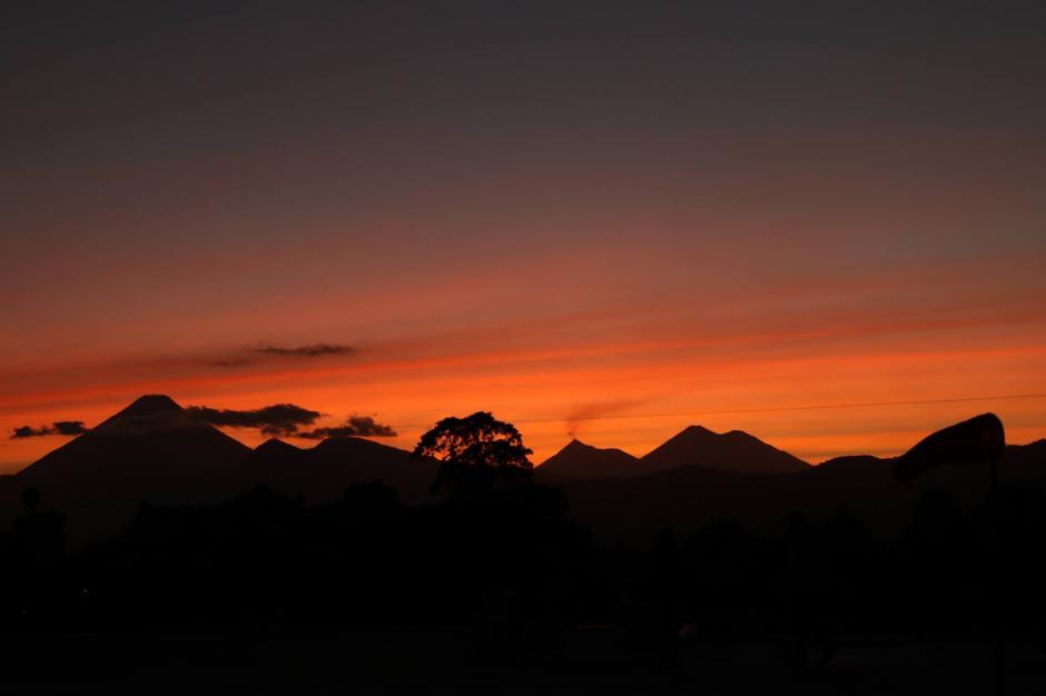 Un cielo espectacular pudo verse la tarde de este miércoles. (Foto: Alejandro Balán/Soy502)