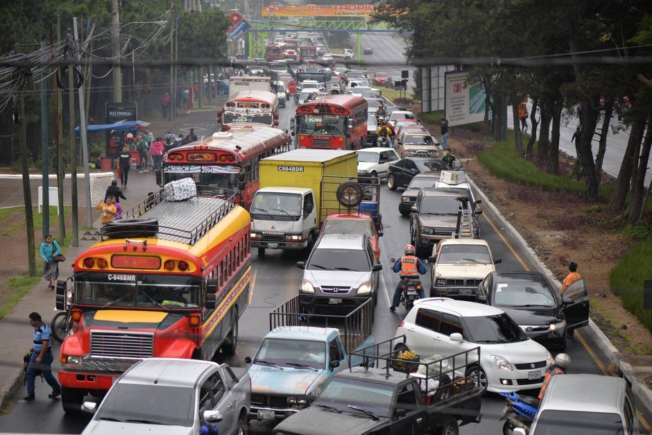 Los centros comerciales y librerías son los puntos que más generan congestionamiento. (Foto: Archivo/Soy502)
