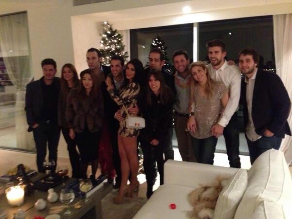 El futbolista Gerard Piqué, junto a su novia la cantante, Shakira.
