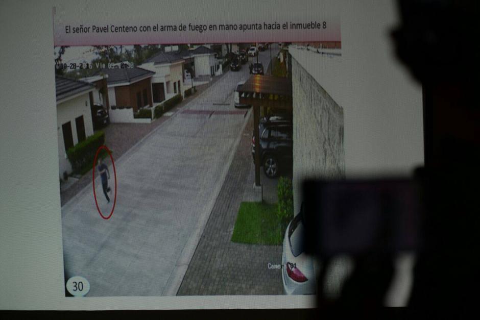 El MP se apoyó en varios fotogramas para detallar la forma en que murió el exministro. (Foto: Wilder López/Soy502)