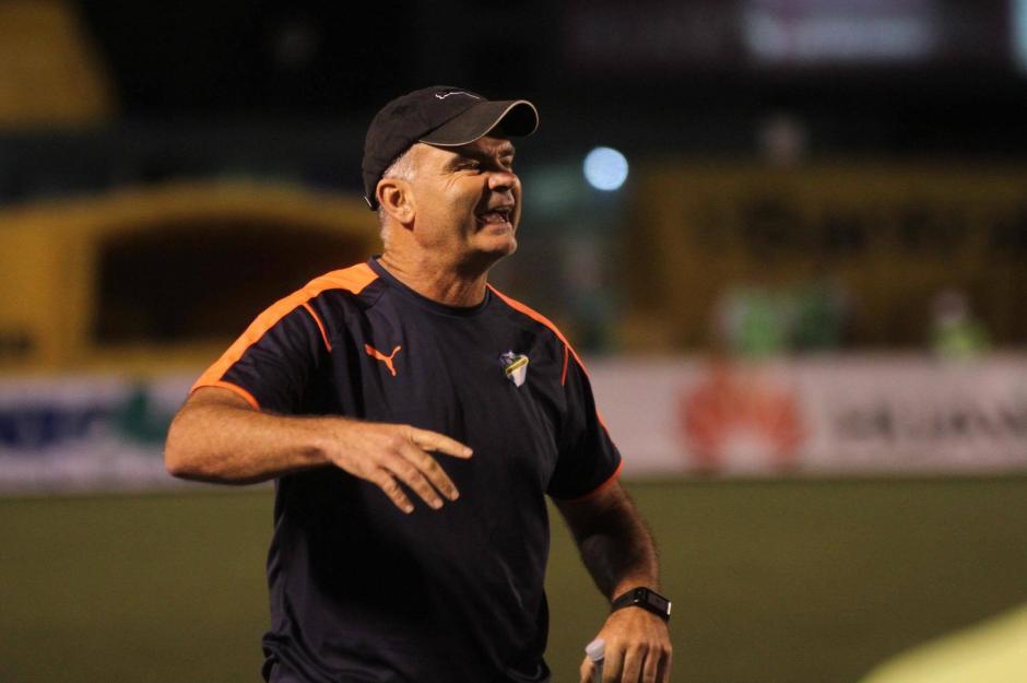 Iván Sopegno continúa al frente Comuniciones pese a no conseguir el título. (Foto: