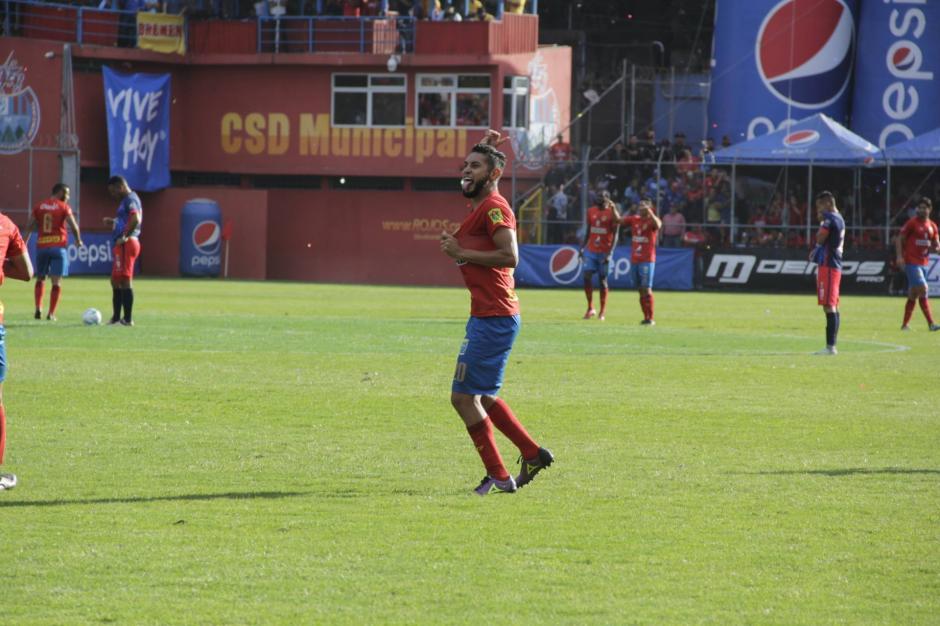Guerra apareció ante la ausencia de Kamiani. (Foto: Fredy Hernández/Soy502)