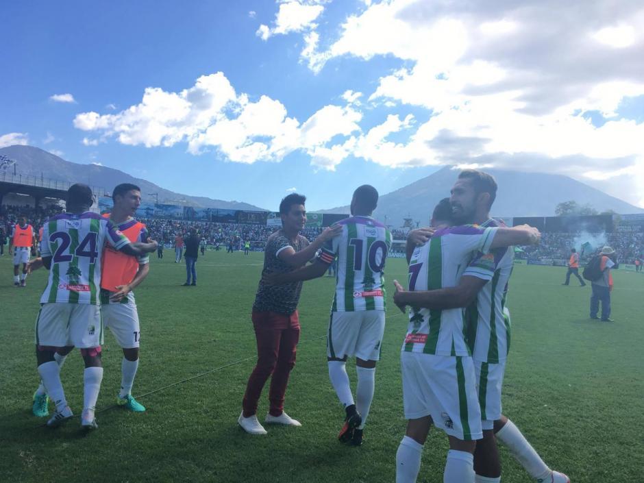 Antigua celebró su pase a la final delante de su gente. (Foto: Fredy Hernández/Soy502)