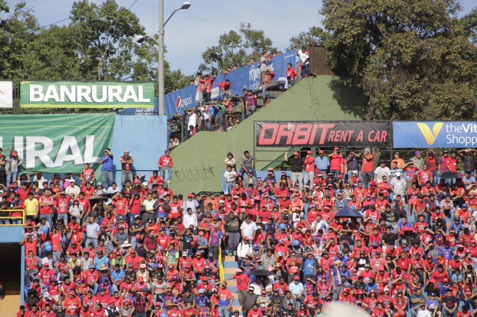 El Estadio El Trébol estuvo lleno. (Foto: Fredy Hernández/Soy502)