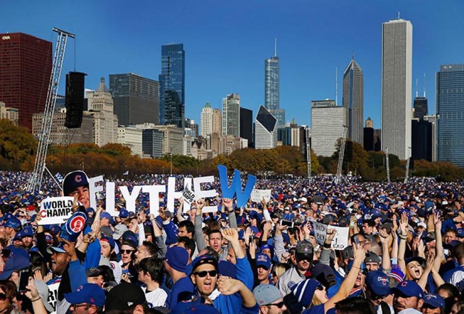 Miles salieron a las calles a vitorear a los campeones. (Foto: EFE)