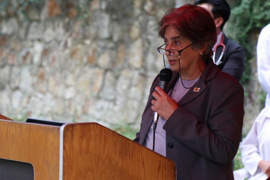 Marta Azmitia, presidenta de la Fundación Donaré, explicó que esto marca el inicio del trasplante de médula ósea en el país. (Foto: Alejandro Balán/Soy502)