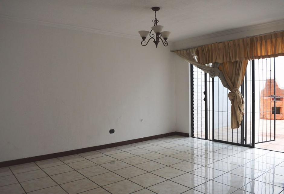 Vista del interior de la vivienda ubicada en Mixco. (Foto: PGN)
