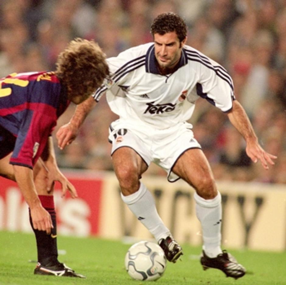 Figo fue repudiado por la afición del Barsa por haberse ido al Real Madrid. (Foto: Twitter)