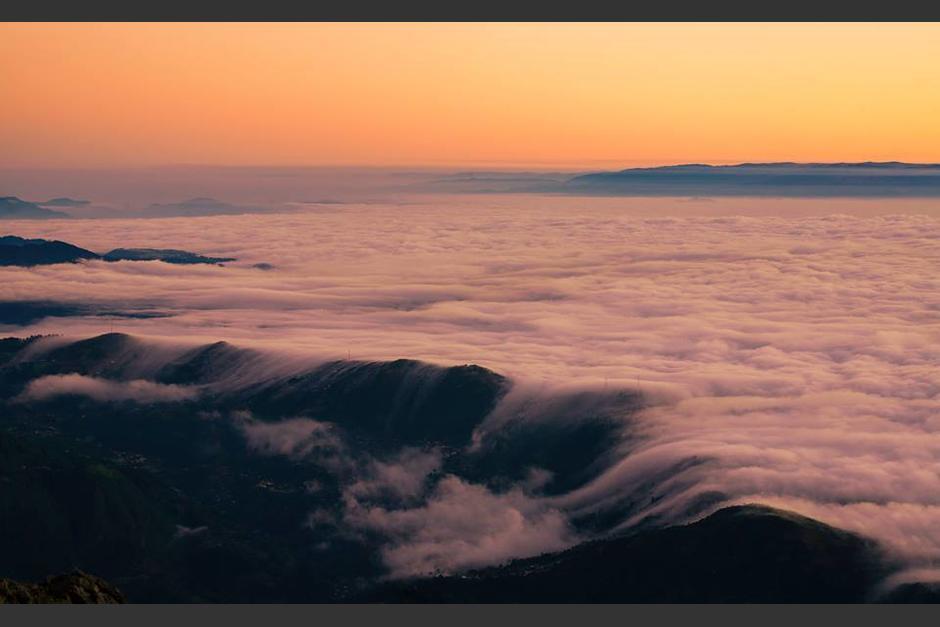 Vista del amanecer desde el volcán Tajumulco. (Foto: Marvin Castañeda)