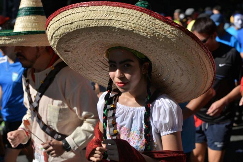 ¿Una Adelita? Algunos charros se hicieron presentes. (Foto: Wilder López/Soy502)