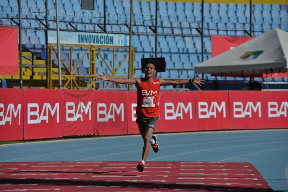 William Julajuj ganó la carrera que por muchos años fue dominada por Amado García. (Foto: Wilder López/Soy502)