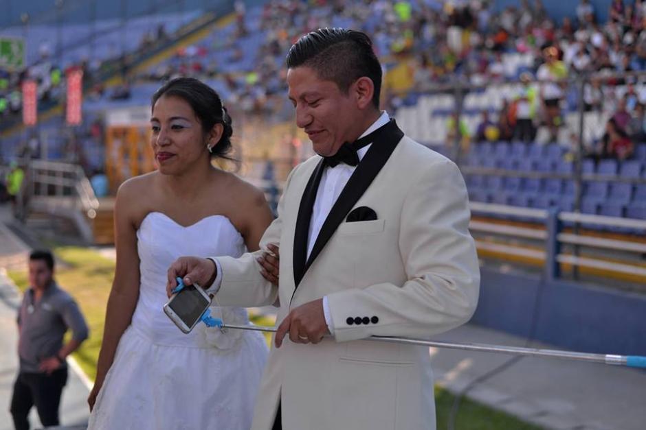 Noé y Letty llegaron a la meta en el Doroteo Guamuch Flores. (Foto: Wilder López/Soy502)