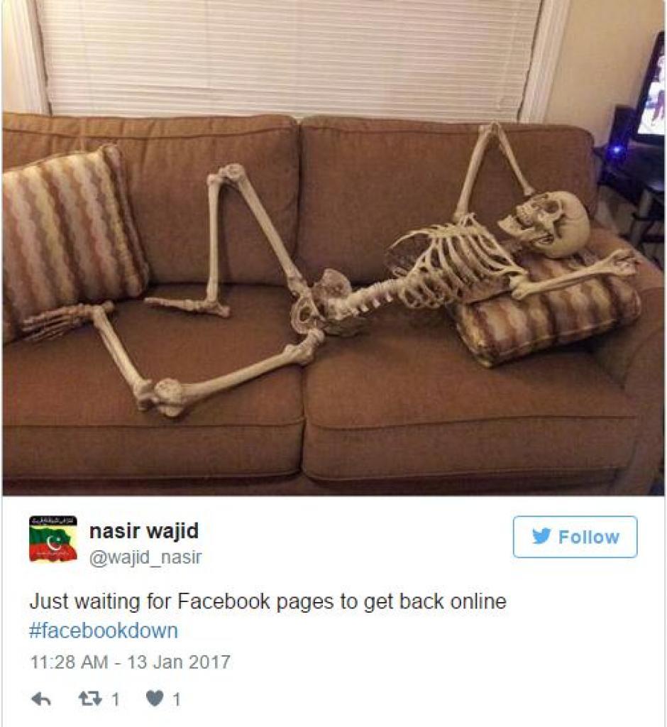 Aquí casual esperando que vuelva Facebook. (Foto: Twitter)