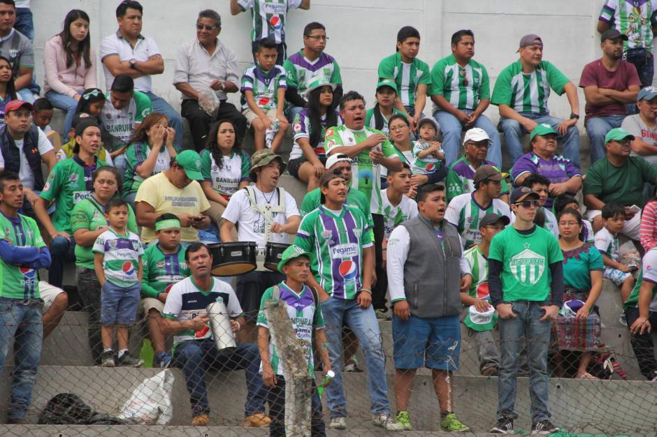 La afición de Antigua GFC llegó en mayor número de lo acostumbrado. (Foto: Fredy Hernández/Soy502)