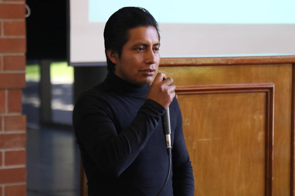 El líder comunitario habló sobre los cambios de su comunidad en la presentación de resultados de Techo 2016. (Foto: Alejandro Balán/Soy502)