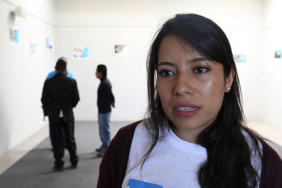 Melissa Leiva, gerente general de Techo, explica que los asentamientos se siguen expandiendo. (Foto: Alejandro Balán/Soy502)